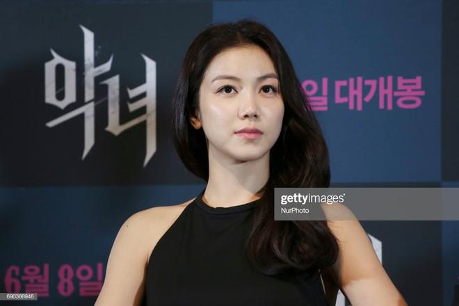 Tiểu tam tin đồn mới trong vụ ồn ào Song Song: Cô dâu Hà Nội từng gây sốc vì cảnh nóng, xuất sắc tiến đến Cannes - ảnh 20