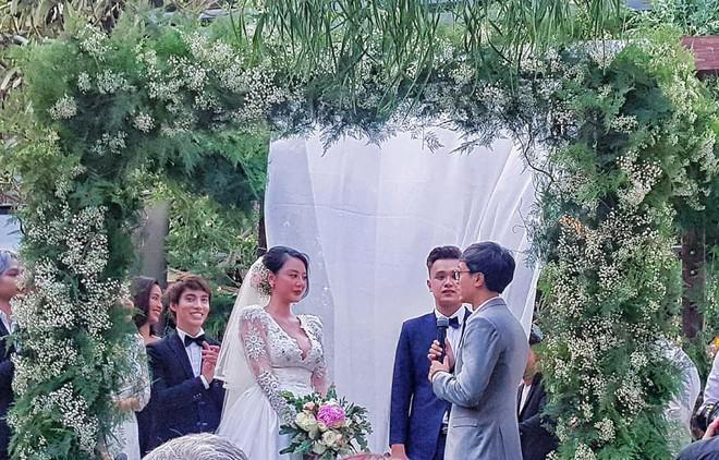 Đám cưới quy tụ dàn khách mời toàn mỹ nhân Vbiz: Nhã Phương mới sinh con cũng lộ diện! - ảnh 4