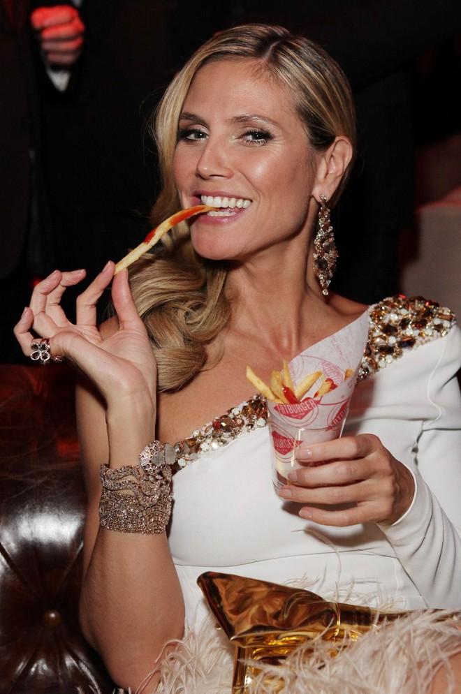 Bí quyết nào giúp các siêu mẫu Victoria's Secret không cần kiêng ăn món yêu thích mà vẫn giữ dáng đẹp? - ảnh 15