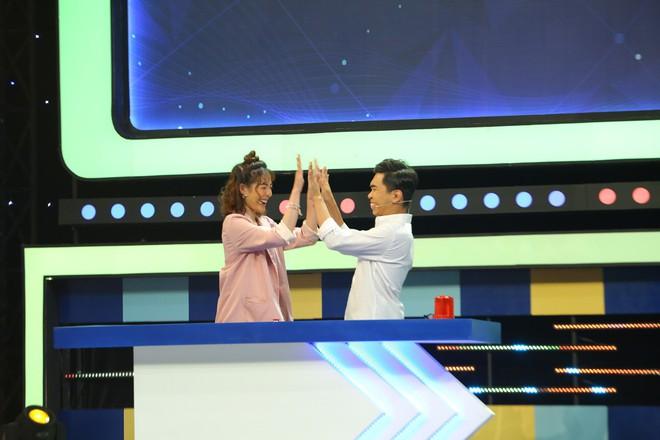 Kim Nhã Next Top dằn vặt Minh Dự vì tội... nhắc bài cho trai - ảnh 6