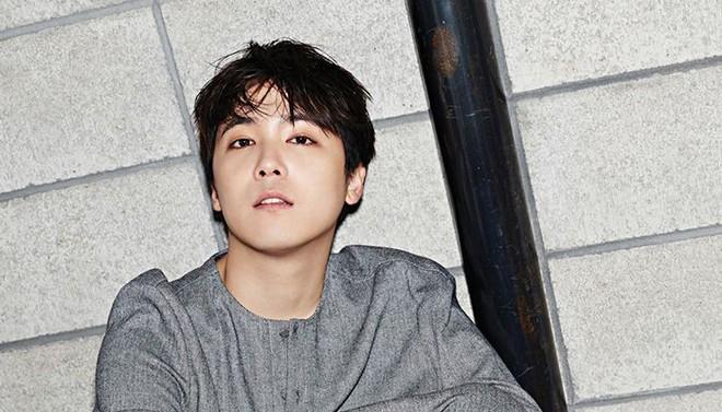 Lee Hong Ki chính thức lên tiếng về số phận FTISLAND sau khi leader rời nhóm, chịu cảnh điều tra vì bê bối của Seungri - Ảnh 2.