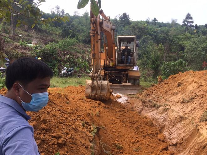 Tiêu hủy 151 con heo bị lở mồm long móng ở Quảng Nam - ảnh 2