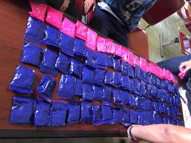 Bắt thanh niên Lào vận chuyển 20.000 viên hồng phiến qua biên giới - Ảnh 2.