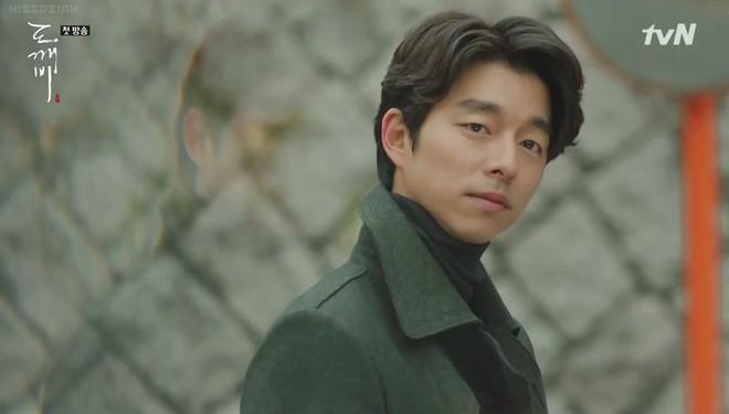 """Lee Dong Wook hôn Yoo In Na trước phòng trà của Thần Chết, khán giả """"gọi hồn"""" Yêu Tinh Gong Yoo - Ảnh 3."""