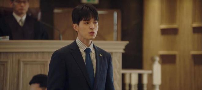 """Lee Dong Wook hôn Yoo In Na trước phòng trà của Thần Chết, khán giả """"gọi hồn"""" Yêu Tinh Gong Yoo - Ảnh 8."""