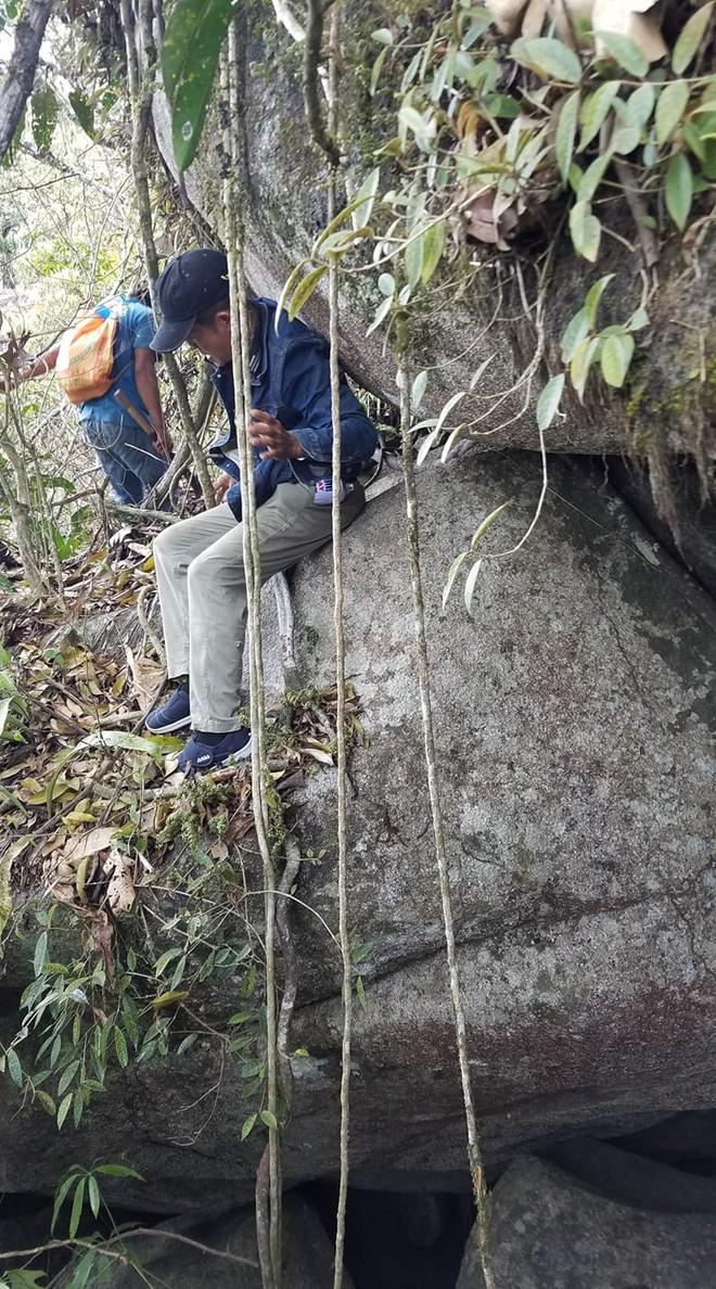 Hành trình sinh tồn 3 ngày 2 đêm của thanh niên bị lạc khi đi dọn rác trên núi Chứa Chan - Ảnh 2.