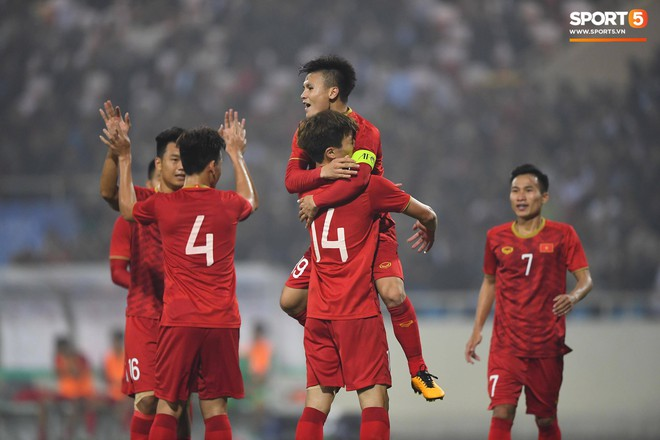 Quang Hải tiếp tục đeo băng đội trưởng, bất ngờ với đội phó của U22 Việt Nam - Ảnh 1.
