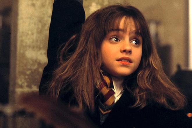 Rộ tin Emma Watson được mời đóng Black Widow, fan lo ngại: Đang đánh nhau lại buột miệng... đọc thần chú? - Ảnh 1.