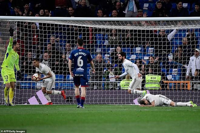 Zidane bất ngờ trọng dụng con trai, Real Madrid thắng toát mồ hôi hột trước đội cuối bảng - ảnh 4