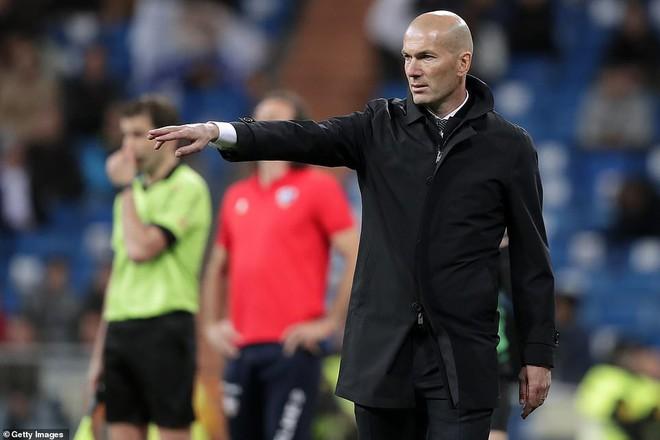 Zidane bất ngờ trọng dụng con trai, Real Madrid thắng toát mồ hôi hột trước đội cuối bảng - ảnh 9