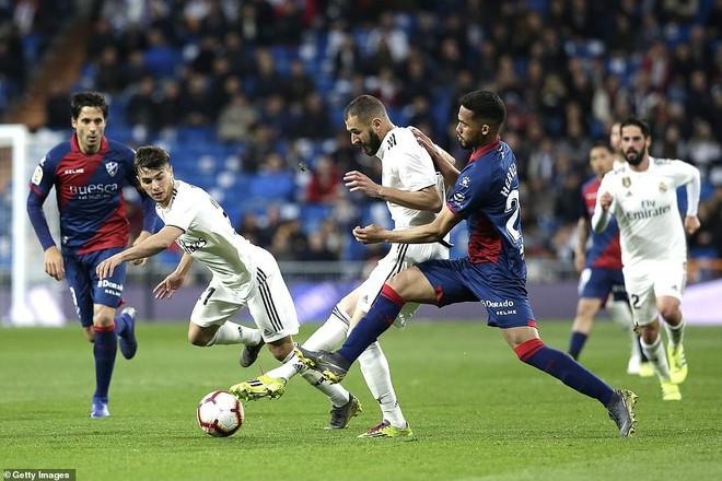 Zidane bất ngờ trọng dụng con trai, Real Madrid thắng toát mồ hôi hột trước đội cuối bảng - ảnh 3