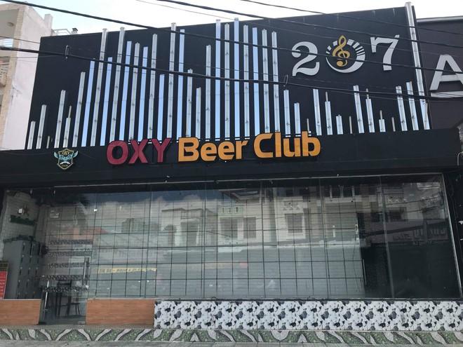 Kiểm tra quán bar Oxy Beer Club, phát hiện 60 dân chơi nghi phê ma tuý - Ảnh 1.