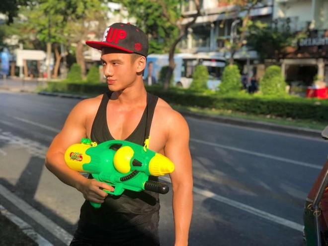Đã mắt với loạt khoảnh khắc nóng bỏng của giới trẻ Việt tại lễ hội Songkran 2019 - Ảnh 4.