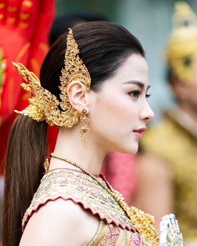 Dàn mỹ nhân đẹp nhất Tbiz hóa nữ thần tại Songkran 2019: Nữ chính Friend zone đỉnh cao nhưng có bằng 5 sao nữ này? - Ảnh 3.