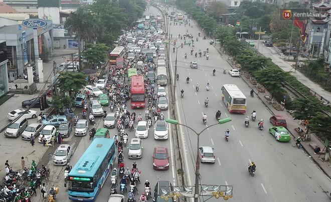 Vành đai 3 ùn tắc dài hàng km, cửa ngõ phía nam Thủ đô chật kín ngày cuối cùng kỳ nghỉ lễ - Ảnh 5.