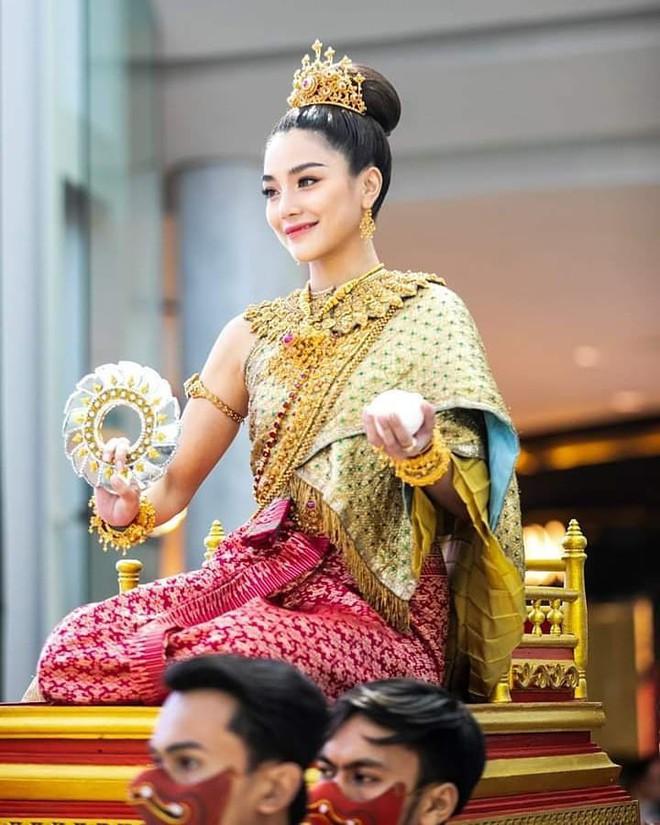 Dàn mỹ nhân đẹp nhất Tbiz hóa nữ thần tại Songkran 2019: Nữ chính Friend zone đỉnh cao nhưng có bằng 5 sao nữ này? - Ảnh 25.