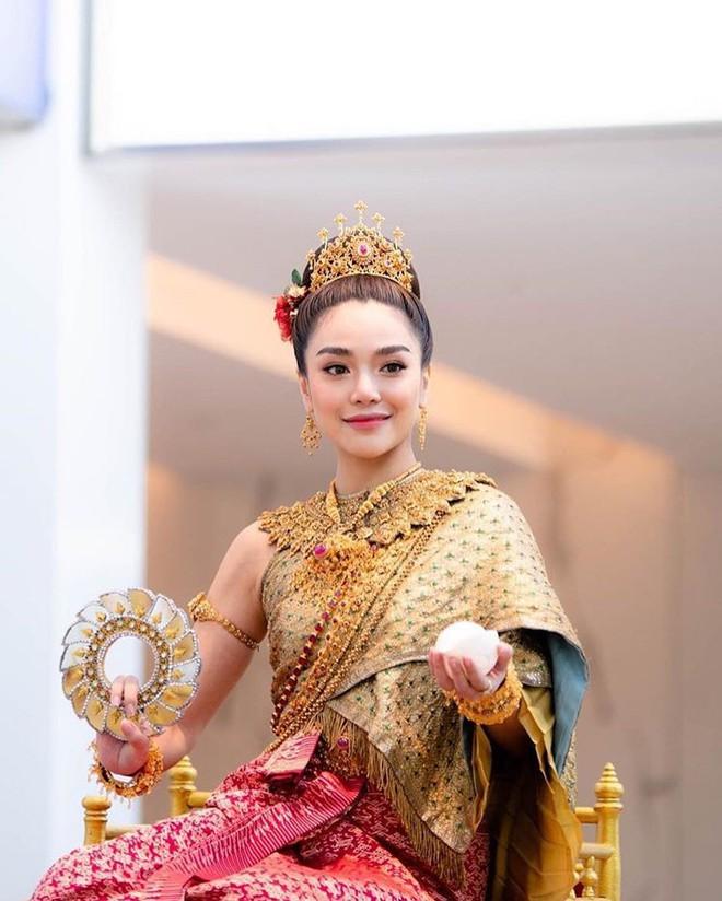 Dàn mỹ nhân đẹp nhất Tbiz hóa nữ thần tại Songkran 2019: Nữ chính Friend zone đỉnh cao nhưng có bằng 5 sao nữ này? - Ảnh 26.