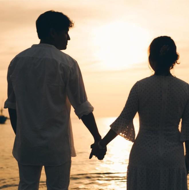 Diễn viên Quý Bình nói gì trước tin đồn chuẩn bị kết hôn sau chuyện tình cảm với Lê Phương? - ảnh 1