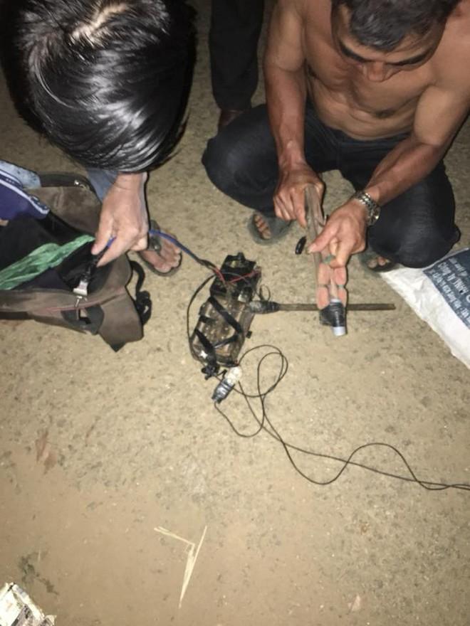 Cầm súng điện đi bắt trộm chó, nam thanh niên bị đánh bất tỉnh - Ảnh 2.