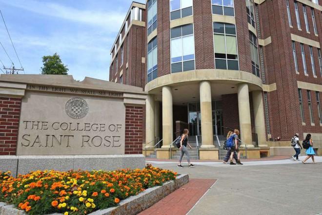 Sinh viên Mỹ lĩnh tù 10 năm: Dùng USB sát thủ khiến số máy tính trị giá hơn tỷ đồng thành phế liệu - Ảnh 1.