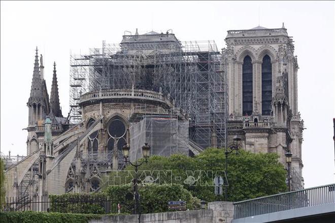 Khoảng 90% thánh tích và tác phẩm nghệ thuật của Nhà thờ Đức Bà Paris được bảo toàn - ảnh 1
