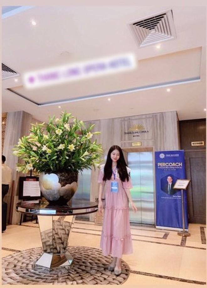 Rộ tin thiếu gia Phan Hoàng Có tình mới sau 20 ngày chia tay, thả tim ảnh người đẹp đều như vắt chanh - ảnh 2