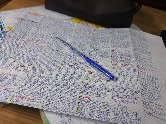 Giáo viên cho mang 1 tờ giấy ghi kiến thức vào phòng thi, sinh viên chép sương sương cũng được cả quyển sách! - ảnh 4
