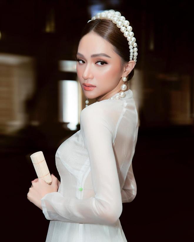 Đôi lần Hương Giang diện áo dài trắng hay còn gọi là những khoảnh khắc nàng hậu khiến vạn người ngẩn ngơ - ảnh 6
