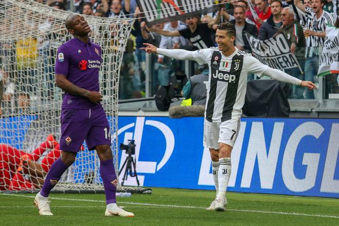 Ronaldo trở thành tâm điểm của màn ăn mừng vô địch có một không hai - ảnh 4