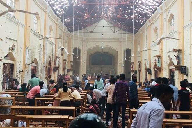Hàng trăm thương vong sau 6 vụ nổ đẫm máu ngày Phục sinh ở Sri Lanka - ảnh 1