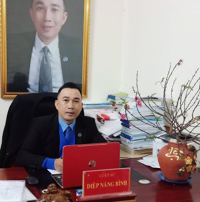 Luật sư nói gì về việc nhiều người in ảnh ông Nguyễn Hữu Linh dán lên các phương tiện và nơi công cộng? - Ảnh 3.