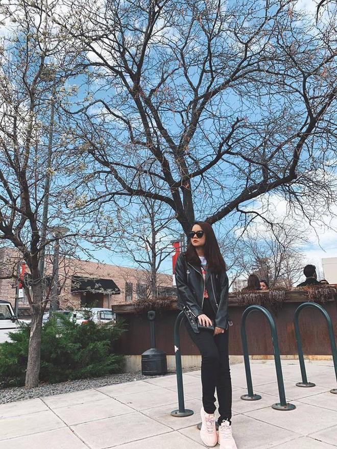 Kỳ Duyên tình ấm mặn nồng bên Minh Triệu, Hà Tăng diện váy sát nách đương đầu với nắng nóng trong street style tuần này - ảnh 12