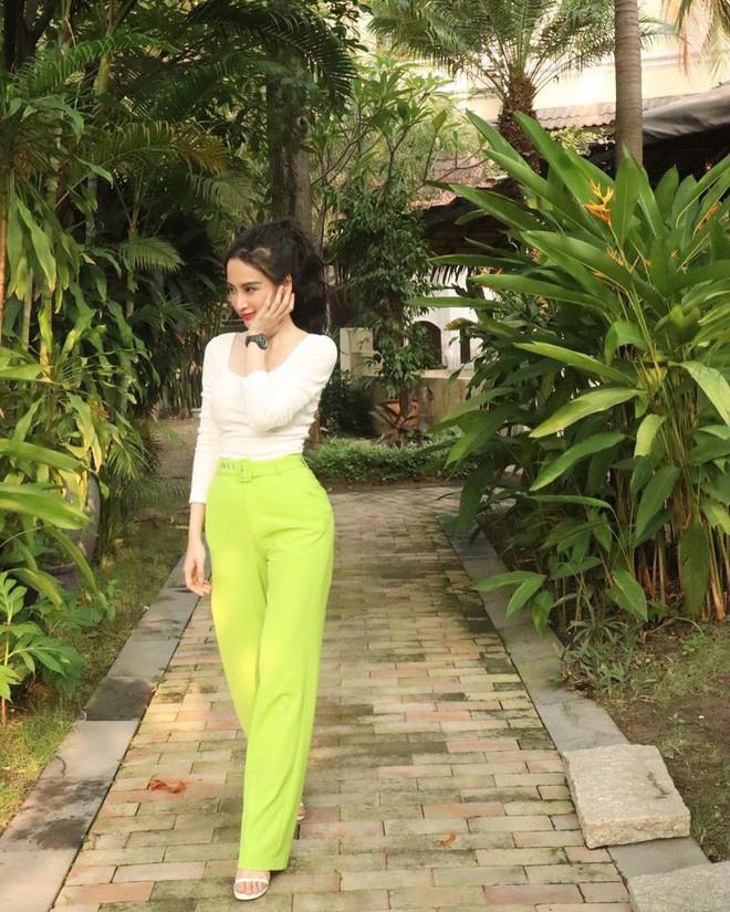 Kỳ Duyên tình ấm mặn nồng bên Minh Triệu, Hà Tăng diện váy sát nách đương đầu với nắng nóng trong street style tuần này - ảnh 13