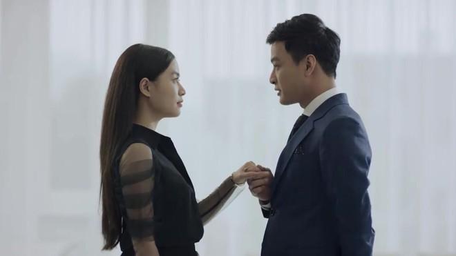 Hoàng Thuỳ Linh quê độ vì tưởng được cầu hôn trong Mê Cung, ai ngờ hôn phu bỏ chạy theo trai lạ - Ảnh 3.