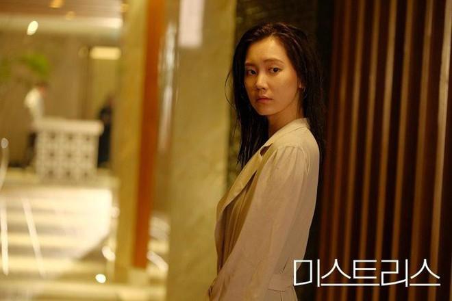 Nạn ngoại tình trên phim Hàn: Phận người thứ ba có đáng thương hay không? - ảnh 2