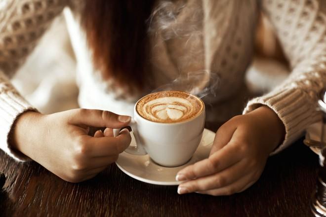 Sáng bảnh mắt ra đã uống cà phê khiến bạn phải đối mặt với nhiều vấn đề tai hại - Ảnh 3.