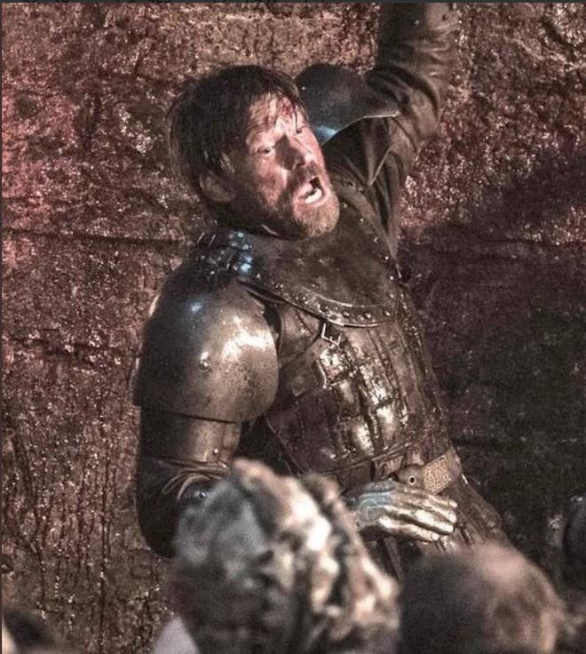 Game of Thrones mùa 8 tập 3: Tưởng ghê gớm, Dạ Đế cuối cùng bị Arya tiễn vong chỉ bằng một nhát - ảnh 2