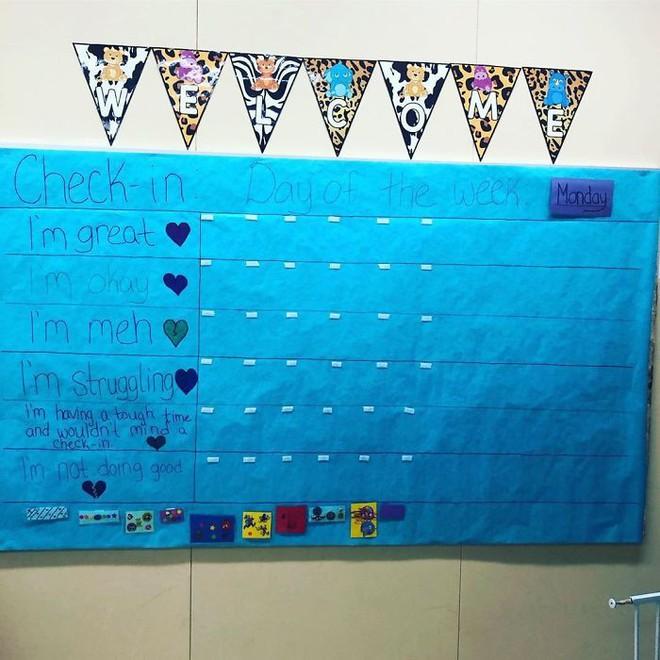 Cô giáo sáng tạo ra chiếc bảng check-in cảm xúc giúp đỡ học sinh thoát khỏi trầm cảm và tự tử - ảnh 3