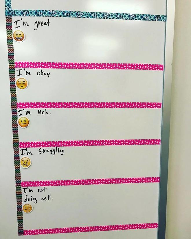 Cô giáo sáng tạo ra chiếc bảng check-in cảm xúc giúp đỡ học sinh thoát khỏi trầm cảm và tự tử - ảnh 4