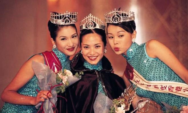 Hồ Hạnh Nhi vác bụng bầu tụ tập chị em Hoa hậu, ai mà ngờ nhan sắc nhạt nhoà khi xưa giờ lại nổi bật nhất - Ảnh 3.
