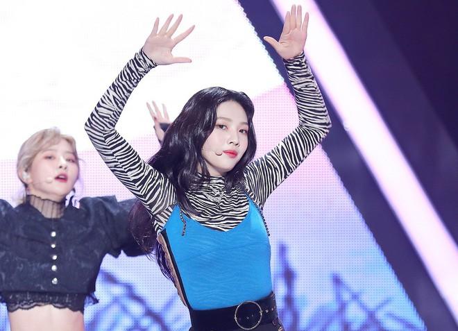 Bị chê thiếu chuyên nghiệp vì đột ngột rời sân khấu giống Jennie (BLACKPINK), thành viên Red Velvet nói gì? - Ảnh 3.