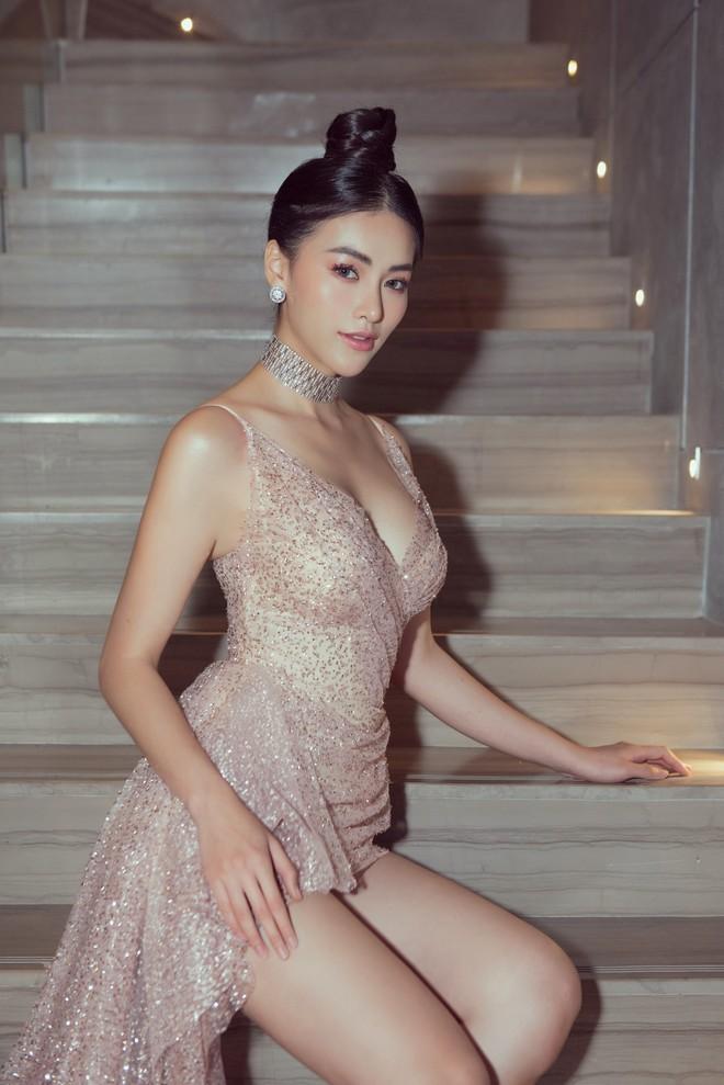 Hoa hậu và chuyện cánh tay to, bụng sồ sề khi chưa photoshop: Đâu phải nữ thần để đòi hỏi đẹp hoàn hảo 100% - Ảnh 3.