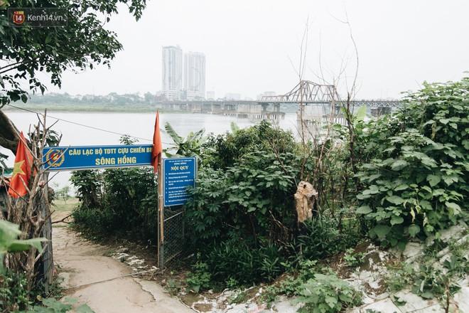 Sân tập thể hình tự chế của các lão bối: Vừa tập, vừa có thể ngắm sông Hồng và cầu Long Biên - Ảnh 3.