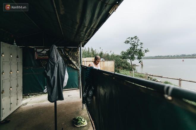 Sân tập thể hình tự chế của các lão bối: Vừa tập, vừa có thể ngắm sông Hồng và cầu Long Biên - Ảnh 16.