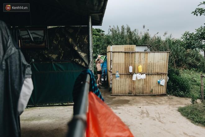 Sân tập thể hình tự chế của các lão bối: Vừa tập, vừa có thể ngắm sông Hồng và cầu Long Biên - Ảnh 13.