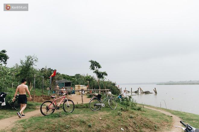 Sân tập thể hình tự chế của các lão bối: Vừa tập, vừa có thể ngắm sông Hồng và cầu Long Biên - Ảnh 4.