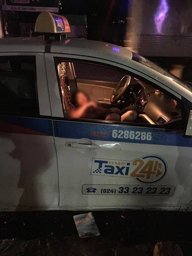 Gã đàn ông cầm dao đâm gục nữ tài xế taxi rồi tự đâm mình do mâu thuẫn cá nhân  - Ảnh 1.