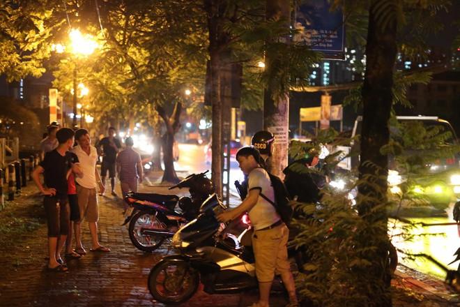 Hà Nội: Phát hiện nữ tài xế bị đâm trọng thương trên xe taxi, nghi bị sát hại do mâu thuẫn tình cảm - Ảnh 5.