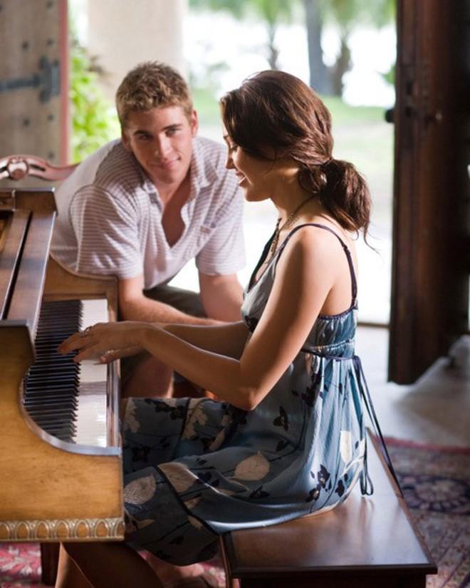 6 cặp đôi 9X đáng ngưỡng mộ nhất Hollywood: Mối tình của Justin hay Miley không xúc động bằng sao nhí Zack & Cody - ảnh 17