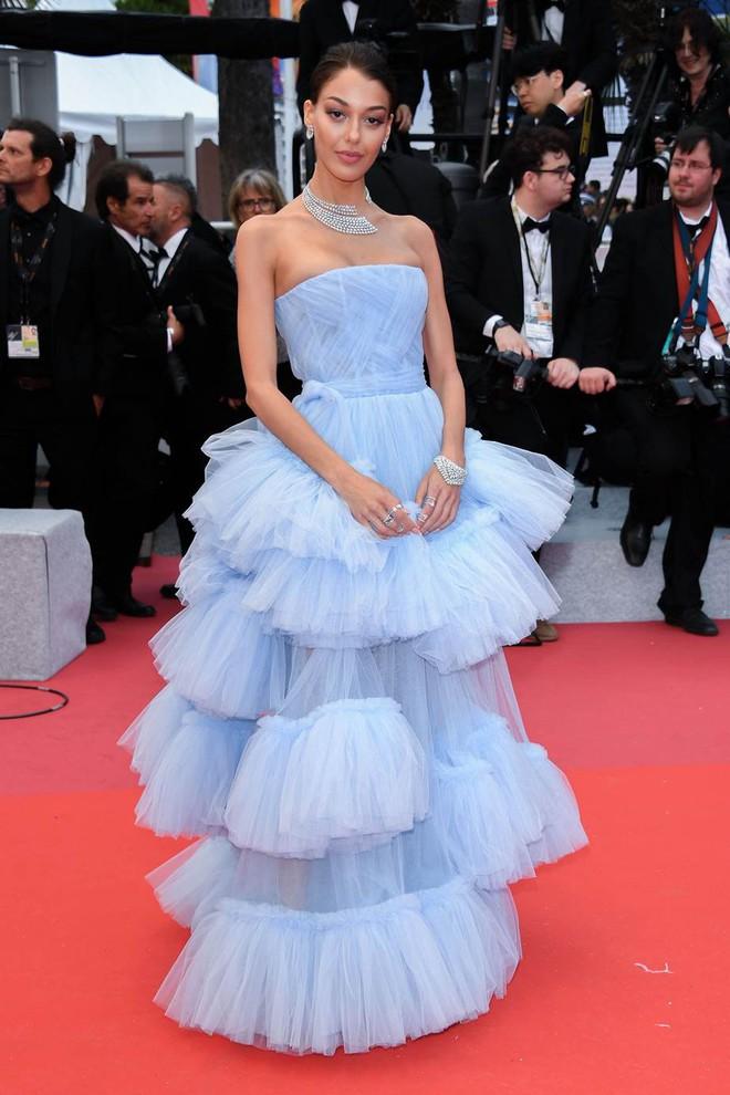 Muốn lịm đi với màn tập hợp váy công chúa ngày khai mạc Cannes 2019, bộ nào cũng bồng bềnh thần tiên quá đỗi - ảnh 13